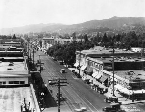 Hollywood Blvd in 1922 courtesy of Water and Power