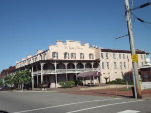 Hotel in Selma