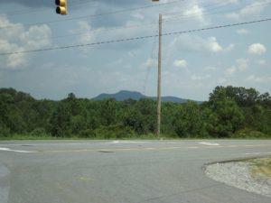 i see a mountain